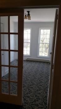 273 Main Street window room carpet