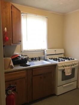 5 Myrtle Avenue apartment 22 kitchen stove