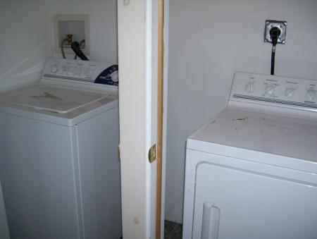 31 Cedar washer and dryer (Medium)